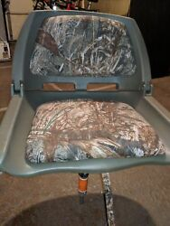 Padded Flip Up Camo Boat Seat And Universal Marine Seat Post