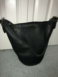 COACH Vintage XL Black Leather Bucket Duffle Feed Shoulder Bag.This is classic.!