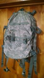 Molle 2 Assault Pack Acu Digital Camo Army Backpack Us Military Surplus Rifleman