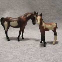 Breyer Arabian mare G1 and thoroughbred standing foal pinto set