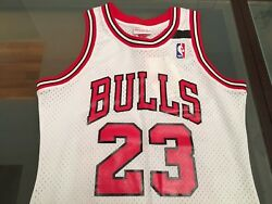 Authentic Chicago Bulls Mitchell And Ness Michael Jordan Jersey 91-92 Small S 36