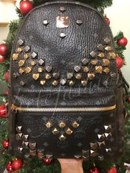 NIB $980 MCM Medium Stark - Visetos Studded Logo Backpack