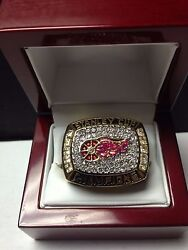 1998 Detroit Red Wings Stanley Cup Championship Ring High Quality With Wooden Ca
