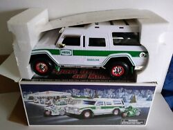 💚 Hess Sport Utility Vehicle And Motorcycles 2004 Hess Toy Truck