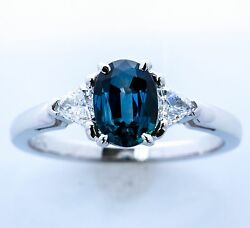 1.08ct Oval Sapphire Set In 14k W/g With Diamond Accents