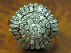 14kt 585 White Gold Ring With 162ct Brilliant And 140ct Diamond Trim / Rg 61