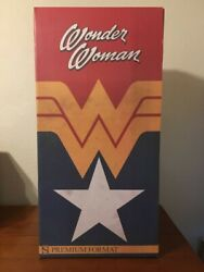 Sideshow Collectibles Exclusive Wonder Woman Statue Limited Edition 1285/6000