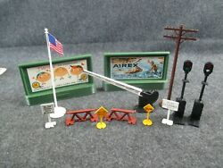 Vintage Plasticvile Signs And Misc Display Items For S Or O Scale Trains Display