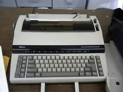 Sears Sr2000 The Electronic Scholar Electric Portable Typewriter