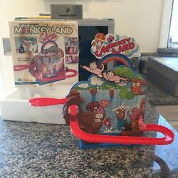 Tps Plastic And Tin Battery Operated Monkey Land W/box And Fully Working T.p.s.