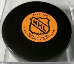New York Islanders Approved Viceroy Nhl Rubber And Plastics Ltd Official Game Puck