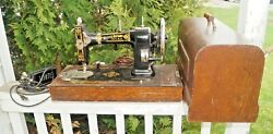 Antique 1905 - 1910s Era White Rotary Sewing Machine W/ Case And Key Beauty Look