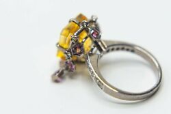 18 Karat White Gold Ring With Citrine In The Center