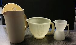 Vintage Tupperware 8 Cup Measuring Pitcher Andflip Measuring Cup And 2qt Pitcher/lid