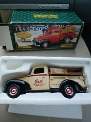 Ertl 1940 Ford Pickup Truck Die-cast 125 Scale Toy Farm Tractors F019dp 1995 D2