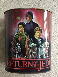 23 Items Of Vintage Star Wars Merchandise Toys And Magazines