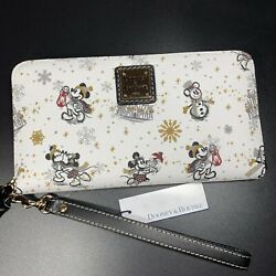 Nwt Disney Dooney And Bourke Holiday Wallet Christmas Mickey Mouse Minnie Snow