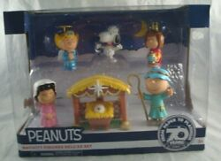 Peanuts Nativity Figures Deluxe Set 7 Pcs Snoopy, Charlie, Lucy, Sally And Patty