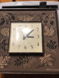 Rare Vintage General Electric Wall Hanging Mid Century Clock Works