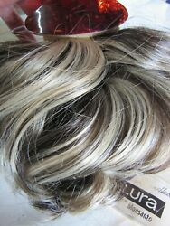 Vintage Frosted Synthetic Elura Wiglet W/ Barrette Topper Fashion Tress 6/22