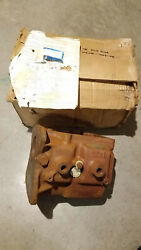 Nos 1972 Ford Galaxie Top Loader 3 Speed Transmission Case D2ar 7006 Ab