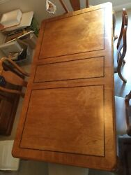 Lexington Grand Queen Ann Dove Tail Dinning Set Table 1 Ext 2 Arm 2 Side Chairs