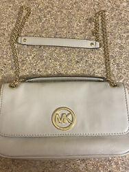 MICHAEL KORS SMALL CROSSBODY BAG EXCELLENT CONDITION $55.00