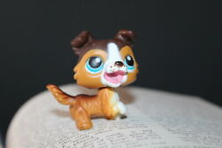 {Littlest Pet Shop} LPS #237 Brown Collie Blue Eyes Open Mouth 2006 Red Magnet