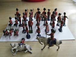 30 X Antique J.hill And Co Britains Lead Toy Soldiers - Mixed Group W/ Horse Back