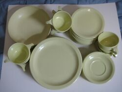 Light Yellow Texas Ware Set 10 Plates, Cups, Saucers, Bread And Butter, Bowl