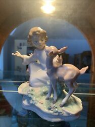 Lladro And The Little Child Shall Lead Them 6928 - Girl Deer 400 V - Mint