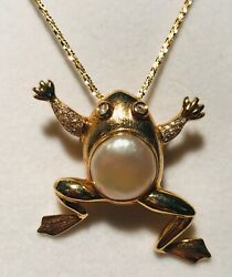 14k Yellow Gold Climbing Frog Pin/pendant With Fwp Body And Diamond Hands And Eyes