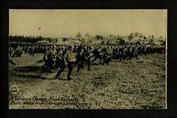 Military Postcard Wwi Chicago Daily News Co. Army German Soldiers Charging