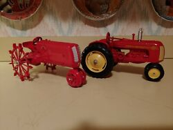 Ertl 1 16 Scale Diecast Cockshutt Toy Tractors 40 And 70.
