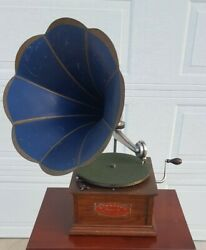 Antique Standard Model A Talking Machine Co Chicago Disc Phonograph W Horn