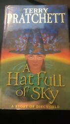 Terry Pratchett - A Hat Full Of Sky - Signed Stamped Holograph 1st Ed 1st Print
