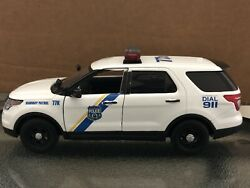Philadelphia Pa Police 1/24 Scale Ford Explorer Diecast W Lights And Siren