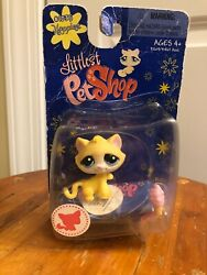 Littlest Pet Shop Yellow Happiest Cat Blue Dot Eyes # 1035 New in Package