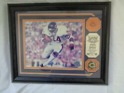 Walter Payton Sweetness Highland Mint Chicago Bears Team Pin Coin Wall Plaque