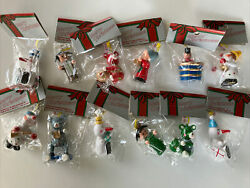 New Vintage 12 Nwt Hand Painted Wood Ornaments Oak Brook Christmas 2.5andrdquo