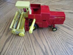 Vintage Ertl New Holland Die Cast Toy Combine Red Yellow Usa 10 Long