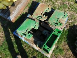 John Deere 30 Series Tractor Suitcase Weights And Cast Bracket Tag 907