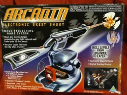 1998 Toymax Arcadia Electronic Skeet Shoot Projecting Game - Works Tested