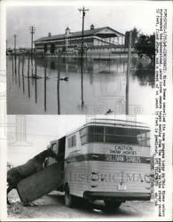 1968 Press Photo Ohio River Waters Surrounds River Downs Grandstand