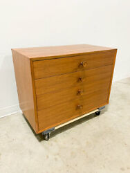 Dresser Cabinet By George Nelson For Herman Miller
