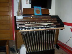 Hammond 2300m With Built-in Leslie Concorde