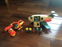 1970-72 Vintage Fisher Price Jet Accessories And 10 Wooden Little People