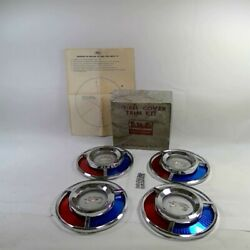 Nos Ford 59 Skyliner Galaxie Tbird B9a-1129-a Accessory Wheel Cover Center Kit