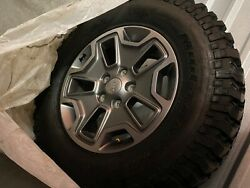 Jeep Rubicon 5 17in Rims And 255/75/17 Mud-terrain Tires