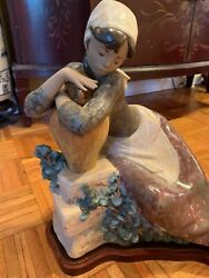 Lladro 01012074 Water Carrier Resting Figurine Rare To Find Retired In 1985